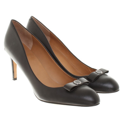 Marc Jacobs pumps made of smooth leather
