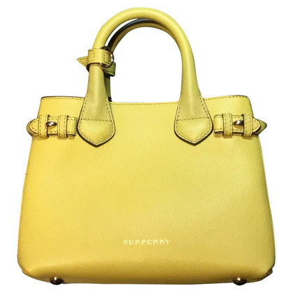 Burberry Handbag in giallo