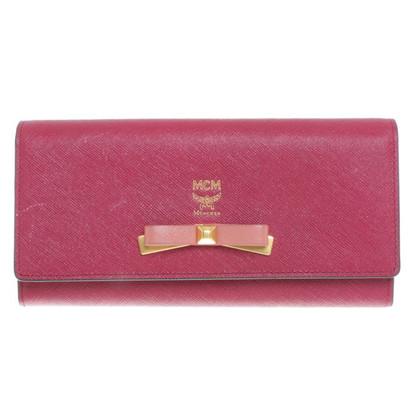 MCM Wallet in fuchsia