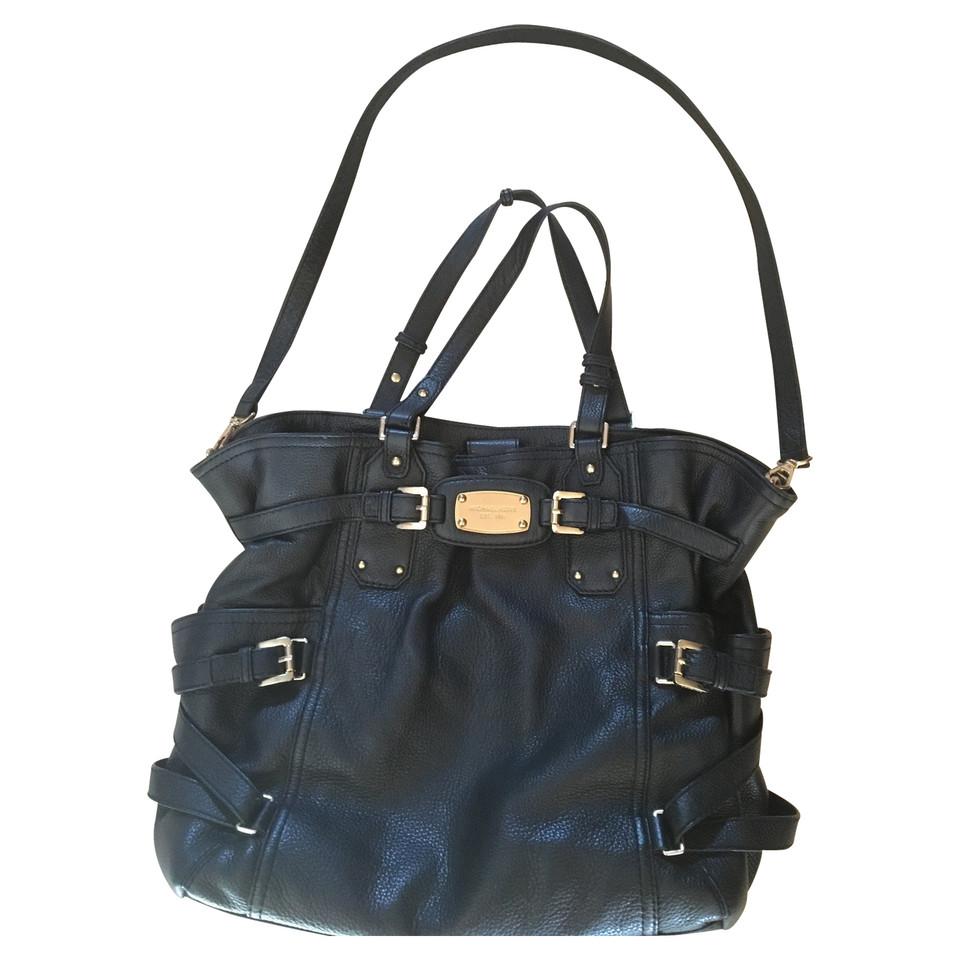 michael kors handtasche in schwarz second hand michael kors handtasche in schwarz gebraucht. Black Bedroom Furniture Sets. Home Design Ideas