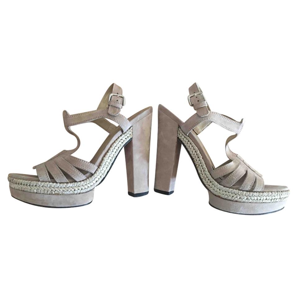 stuart weitzman sandaletten second hand stuart weitzman sandaletten gebraucht kaufen f r 150. Black Bedroom Furniture Sets. Home Design Ideas