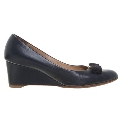 Salvatore Ferragamo pumps in blue