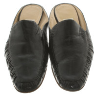Salvatore Ferragamo Slipper in Schwarz