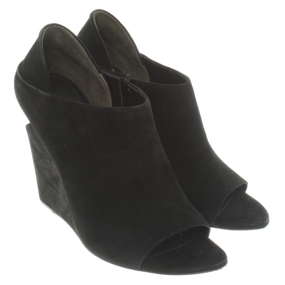 alexander wang sandaletten in schwarz second hand alexander wang sandaletten in schwarz. Black Bedroom Furniture Sets. Home Design Ideas