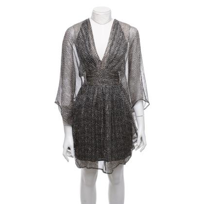 Issa Gevormd zijden jurk
