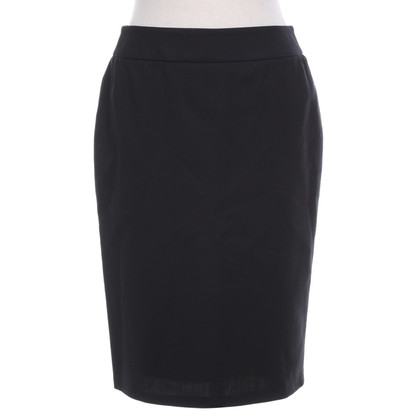 Armani Pencil skirt in black