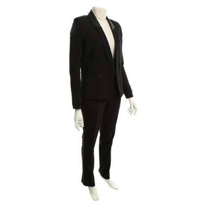 Iro Suit in black