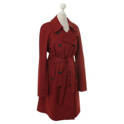 Hugo Boss Trenchcoat in Rot