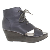 Hudson Wedges in blue