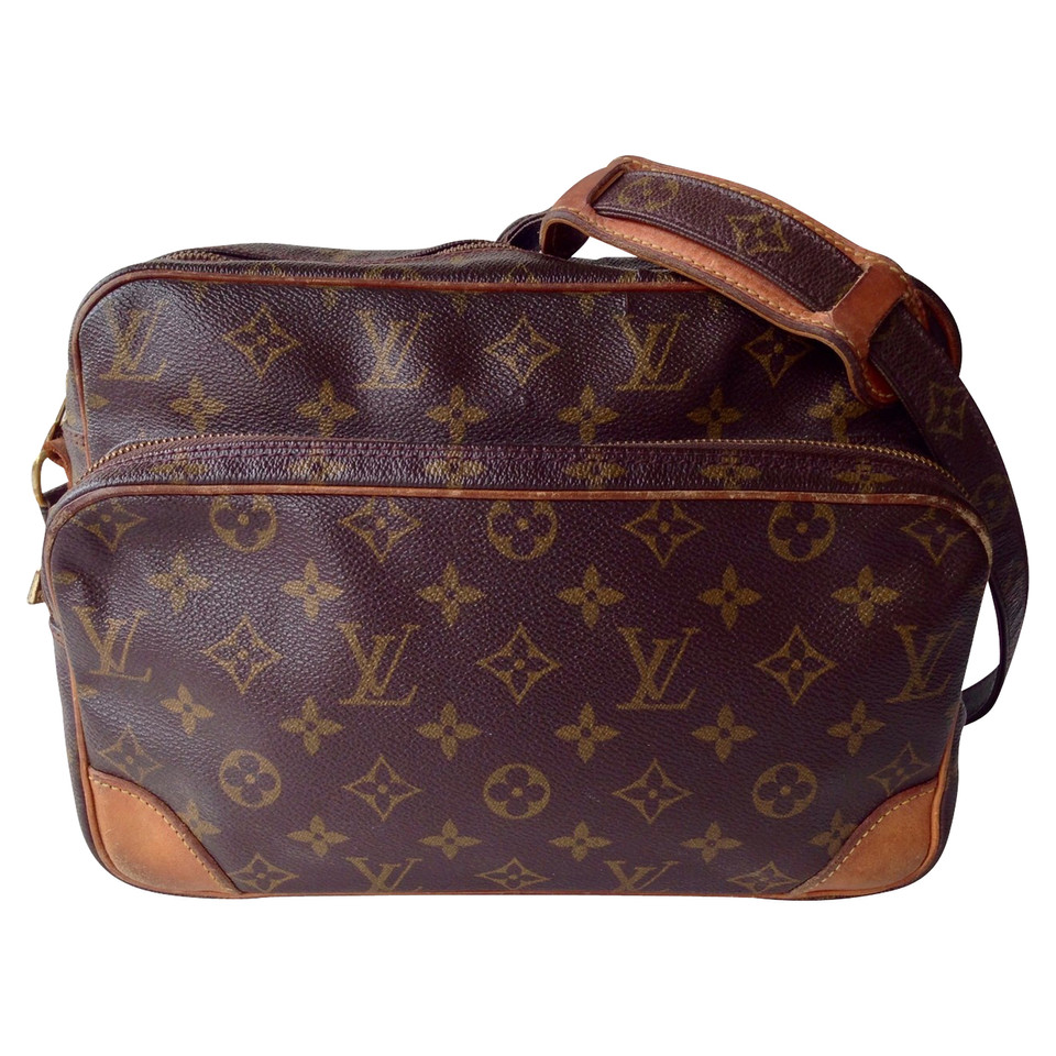 louis vuitton nil crossbody bag buy second hand louis vuitton nil crossbody bag for. Black Bedroom Furniture Sets. Home Design Ideas