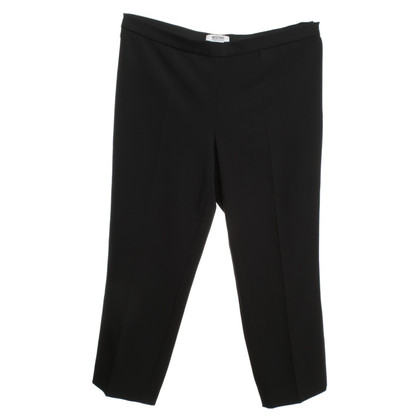 Moschino Cheap and Chic 3 / 4-trousers in black