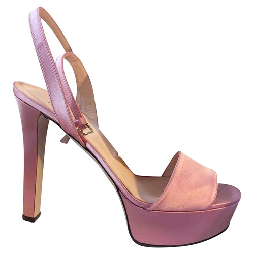 cebbbe810290 Gucci Sandals in Pink - Second Hand Gucci Sandals in Pink buy used ...