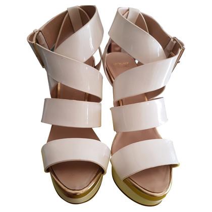 Versace Lackleder-Sandaletten