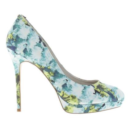 Karen Millen pumps met bloemmotief