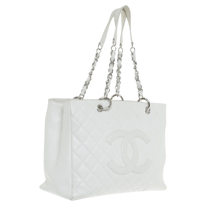 Chanel Shoppers in crema