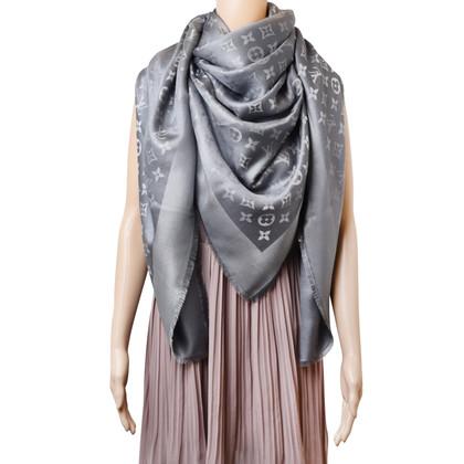 Louis Vuitton Monogram Shine cloth in silver / grey