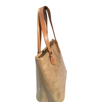 Louis Vuitton Beige patent leather bag .