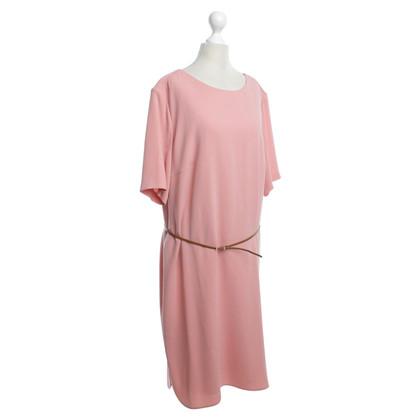 Hugo Boss Zalmkleurige jurk met riem