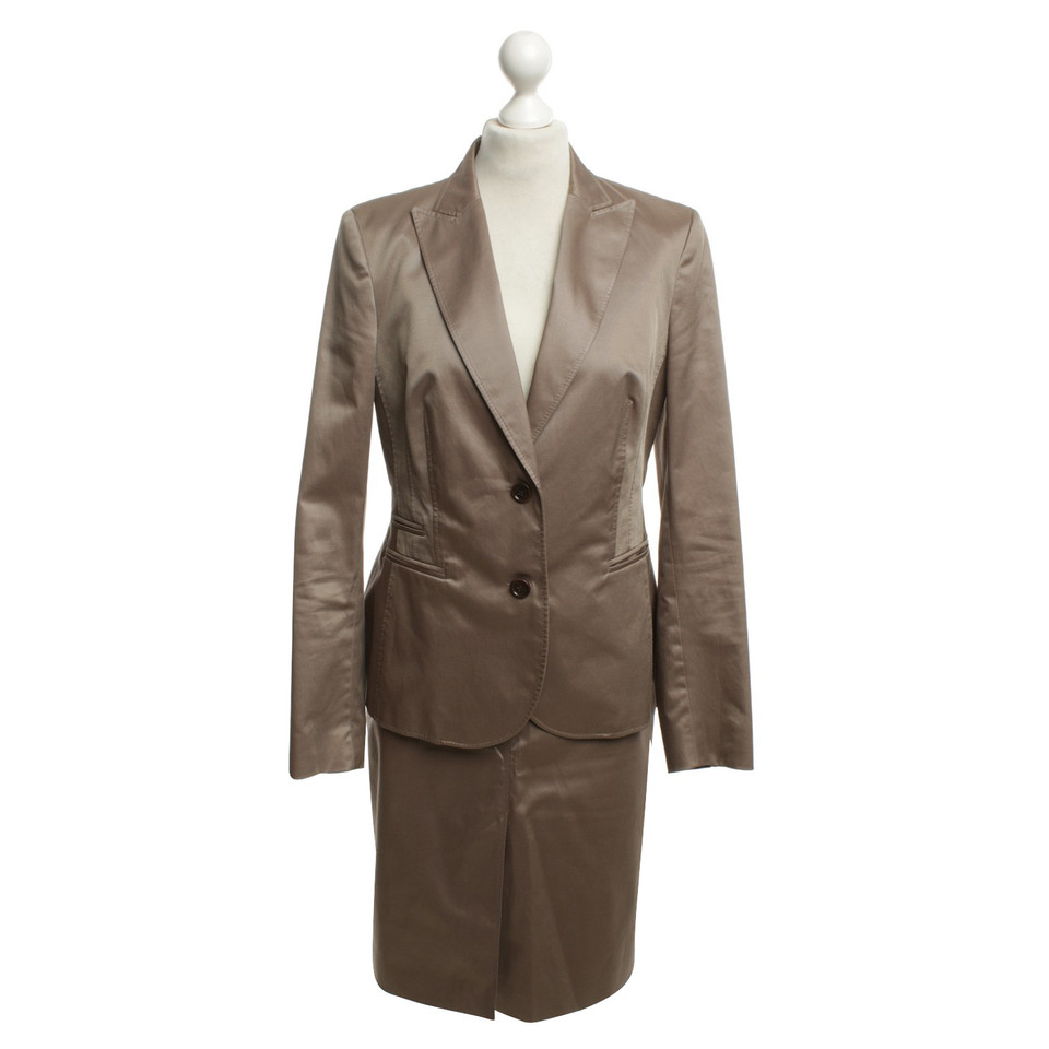 st emile costume in beige buy second hand st emile costume in beige for. Black Bedroom Furniture Sets. Home Design Ideas