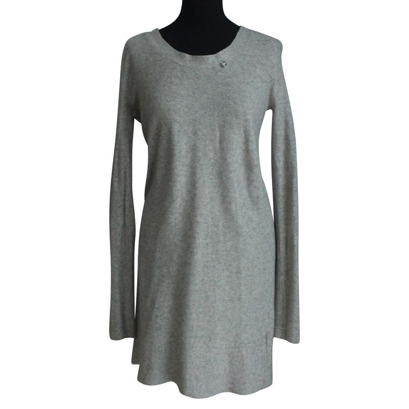grijze wollen jurk