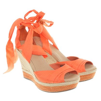 Ugg Orangefarbene Sandaletten