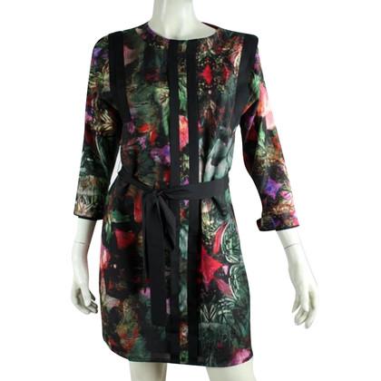 Ted Baker Blumen-Kleid mit einem Taillenband