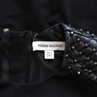Pierre Balmain Kleid mit Nietenbesatz