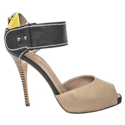 Giuseppe Zanotti pumps-toes