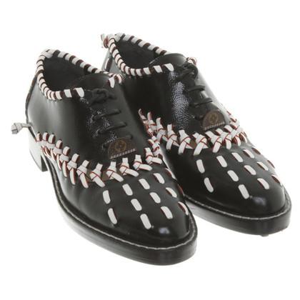 Louis Vuitton Laced shoes