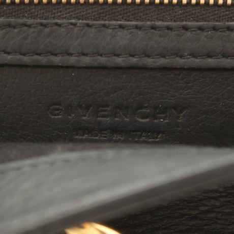 Ost Veröffentlichungstermine Givenchy Umhängetasche in Schwarz Schwarz Auslass Wiki Freiheit In Deutschland Auslass Gut Verkaufen Shop-Angebot Zum Verkauf XPyxYEjOxg