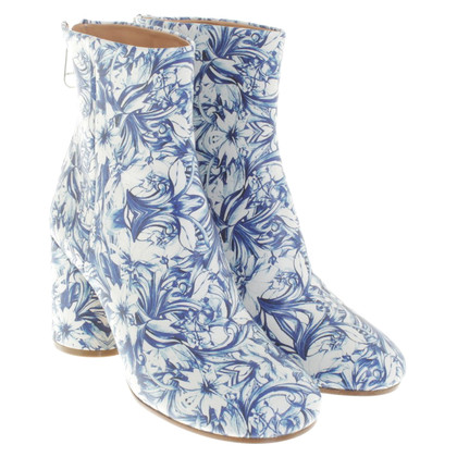 MM6 by Maison Margiela Ankle boots with a floral pattern