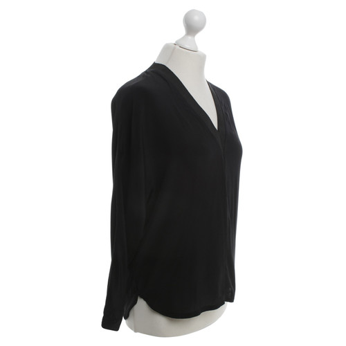 7a9ebf3fc851f Sandro Silk blouse in black - Second Hand Sandro Silk blouse in ...
