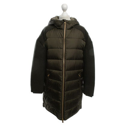 Closed Quilted jacket with knitted inserts