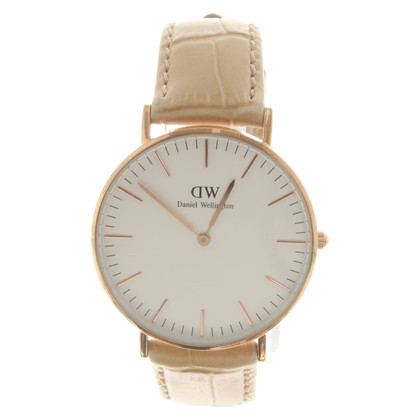 Wellington Gold colored wristwatch