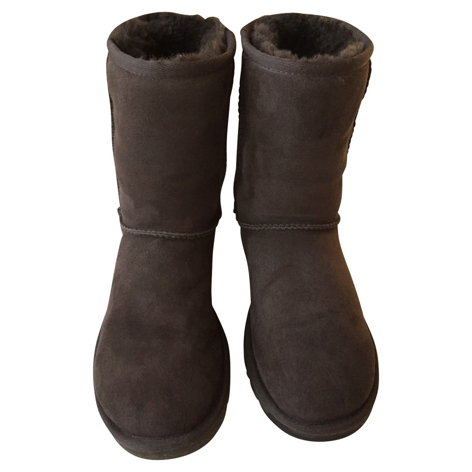 ugg boots in grau second hand ugg boots in grau. Black Bedroom Furniture Sets. Home Design Ideas