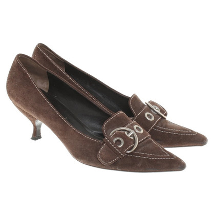 Prada pumps in brown