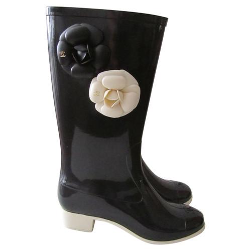 Chanel Bottes de pluie en noir   crème - Acheter Chanel Bottes de ... 03be22a2261