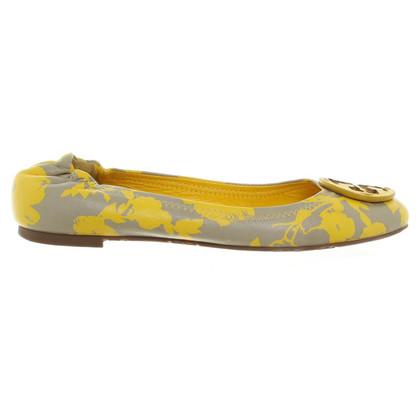 Tory Burch Pompes en jaune / beige