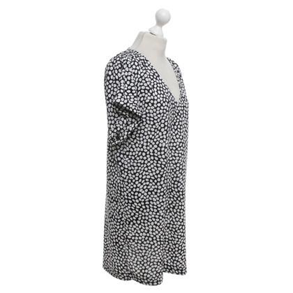 Altre marche Essentiel - Vestito in bianco / nero