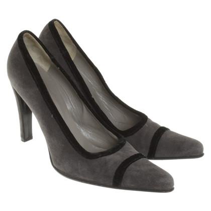 Prada pumps suede leather