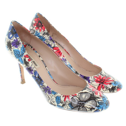 Miu Miu pumps with a floral pattern