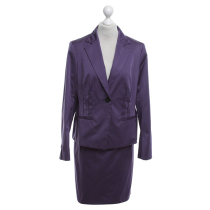 Windsor Costume in purple