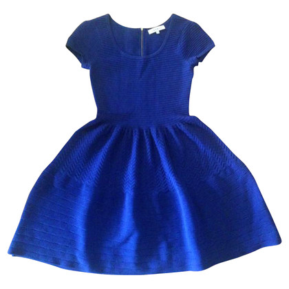 Sandro Ausgestelltes Kleid
