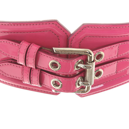 Burberry Patent leather belt in Pink