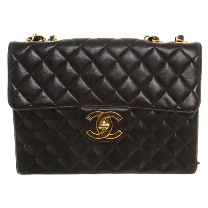 "Chanel ""Jumbo Flap Bag"" in zwart"