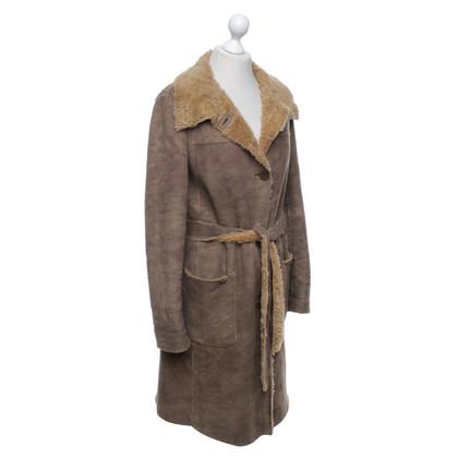 Armani Mantel aus Webpelz