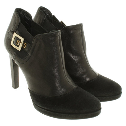 Ferre Ankle boots in black