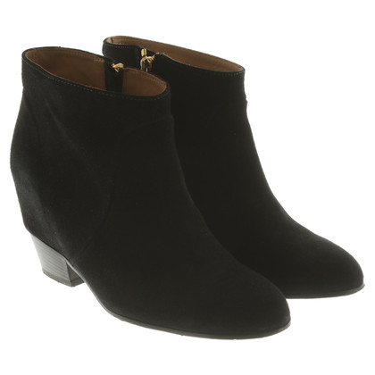 Closed Suede ankle boots
