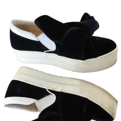 N°21 Velvet sneakers