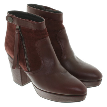 Acne Stiefeletten in Bordeaux